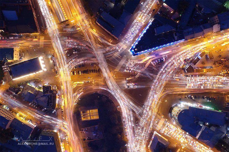Не самый загруженный перекресток в городе!photo preview