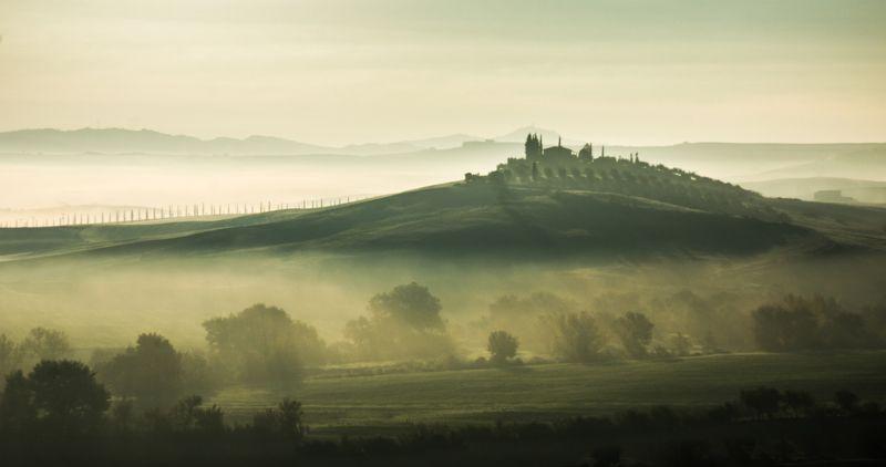 Tuscanynaturemorningfoglandscape ВЫПЛАВАЯ ИЗ ТУМАНА.  Из серии \