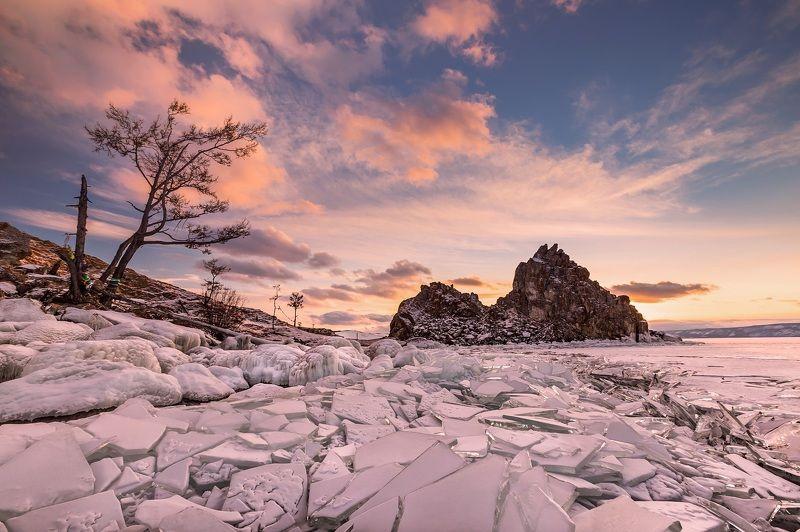 Бурхан, Шаманка, скала, закат, лед, Байкал Шаманка вечерняяphoto preview