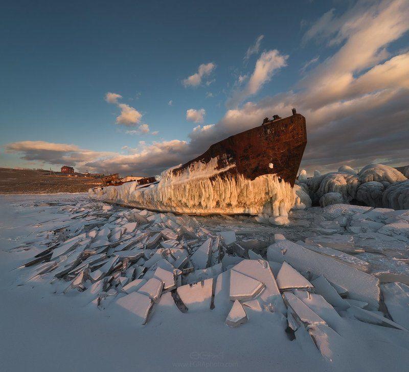 baikal, siberia, байкал, сибирь, лед, ice, корабль, ship, olkhon, ольхон Старphoto preview