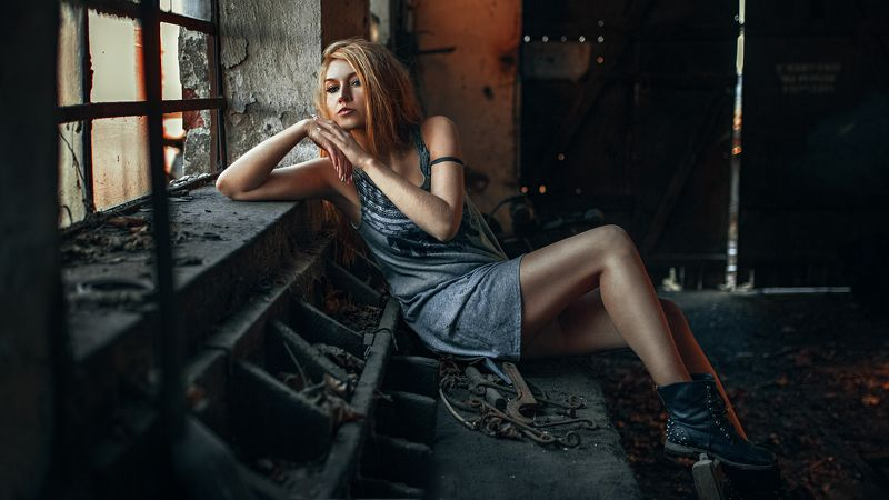 Color, Fashion, Mood, Portrait, Sexy Abandoned workshopphoto preview
