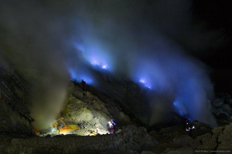 вулкан, иджен, лава, bluefire, ночь, сера, огонь, синий, рабочие, шахтеры, sulfur, miners, ash, дым, volcano Blue firephoto preview