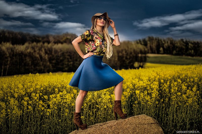Fashion, Nature, Portrait on the rockphoto preview