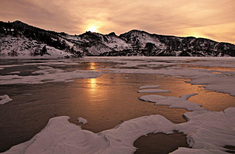 Казахстан. Баян- Аул. Жасыбай. лед. Лед  Жасыбая.photo preview