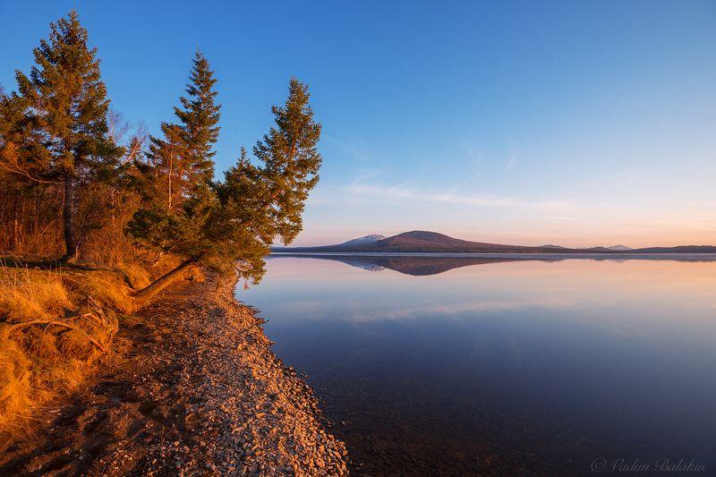 Берег, Весна, Закат, Зюраткуль, Озеро, Отражение, Южный урал Закат на Зюраткулеphoto preview