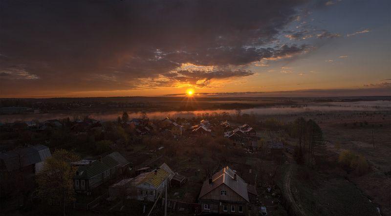 рассвет. деревня, россия Рассвет над поселком!photo preview