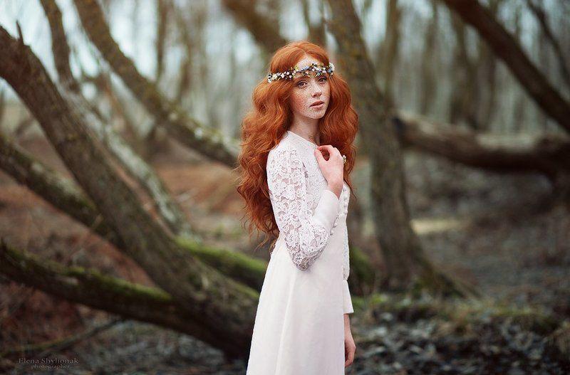рыжая, веснушки, весна, деревья, природа, девушка Springphoto preview