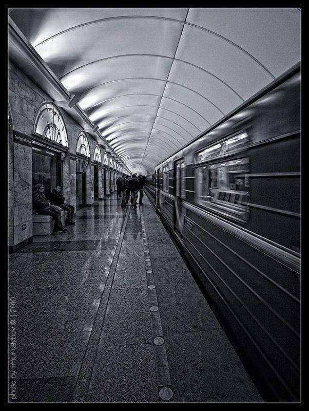 питер, метро, звенигородская... Звенигородская...photo preview