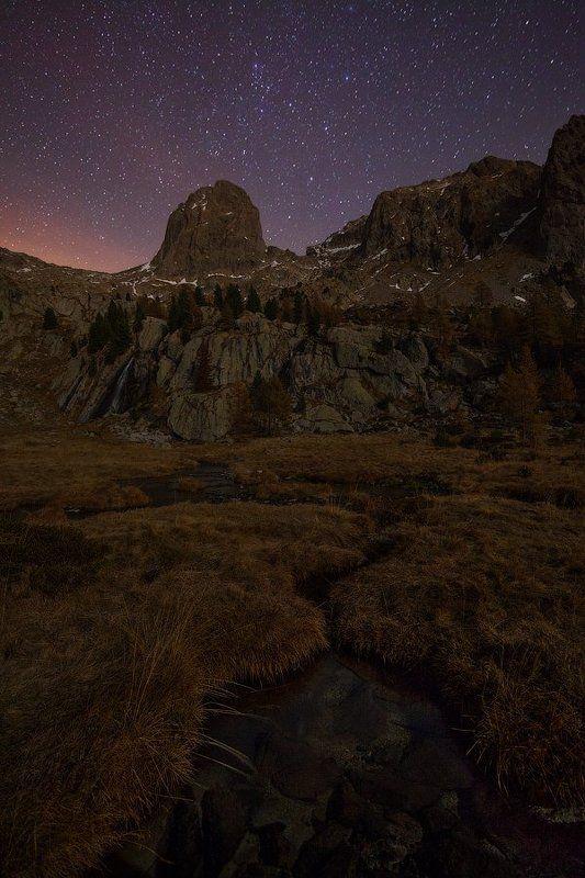 альпы, горы Под звездным небом и лунойphoto preview