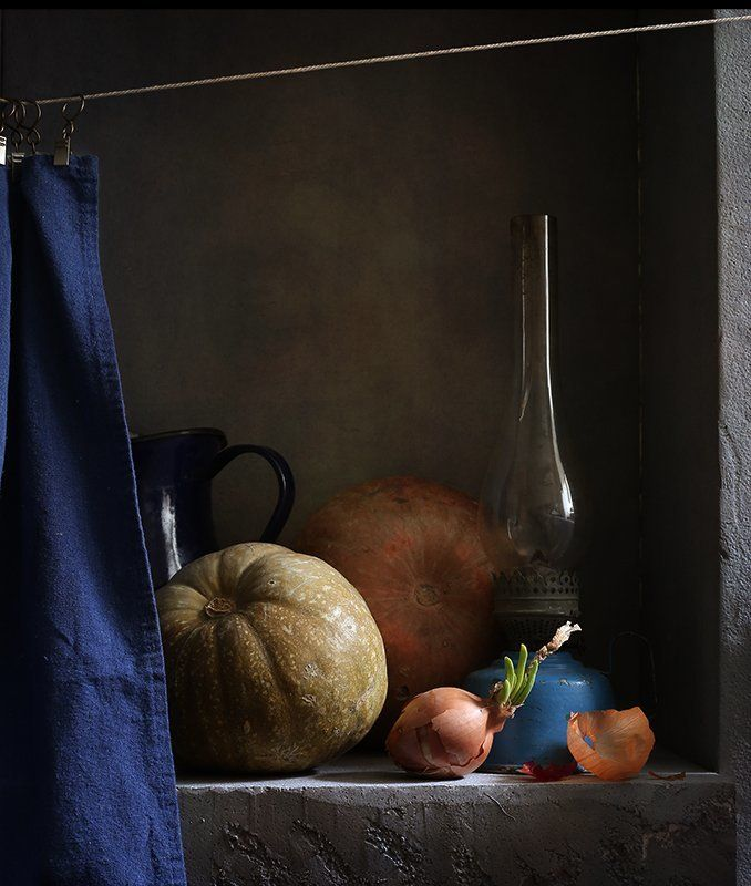 керосиновая лампа, тыквы, редиска Тихая жизньphoto preview