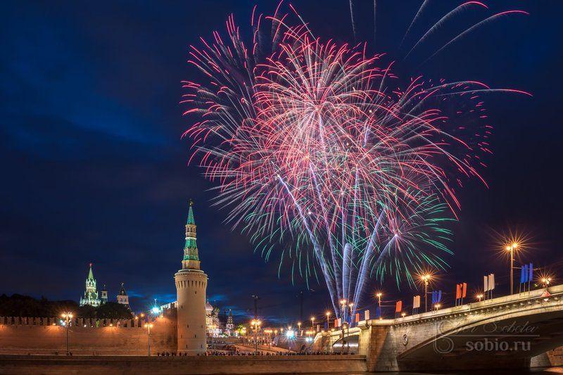 12июня, день независимости, кремль, москва, праздник, салют, фейерверк Праздничноеphoto preview
