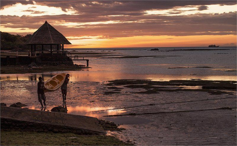Минданао, Филиппины вечерний паромphoto preview