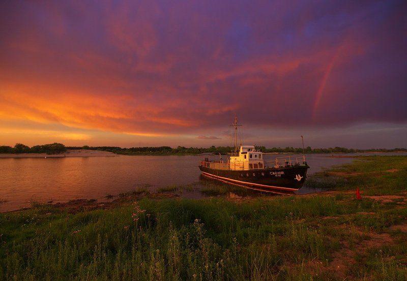закат, радуга, река, баркас, трава, небо, Беларусь, пейзаж, полесье, лето Краски закатаphoto preview