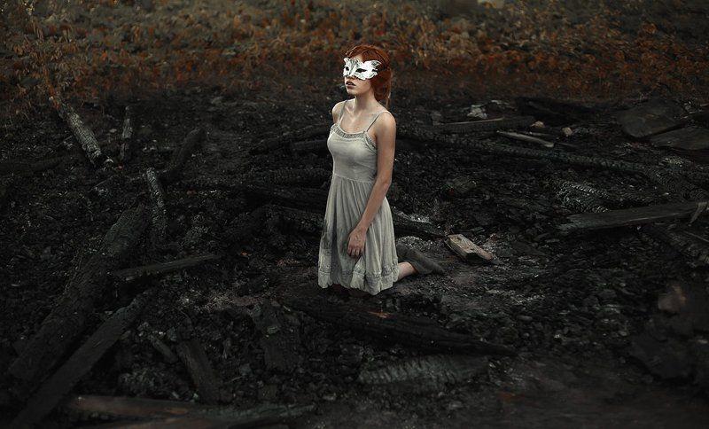 маска, портрет, угли, арт, пепел, рыжая Лисаphoto preview