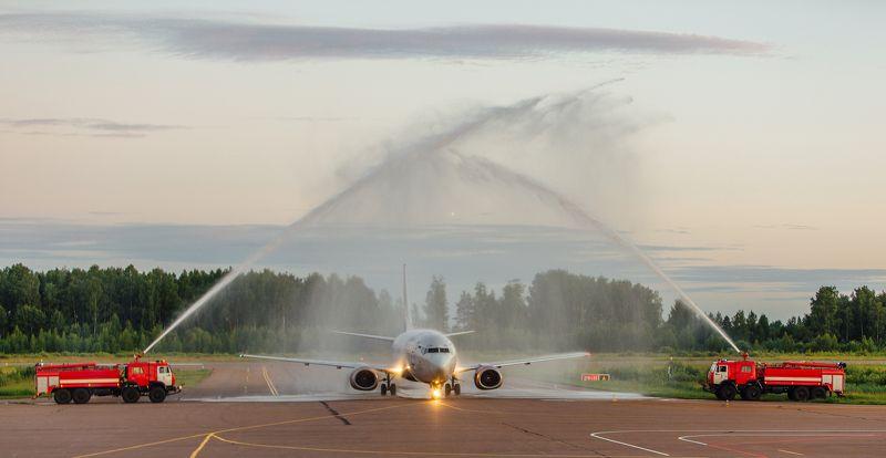 Сочи, Иваново, самолет, закат Сквозь водную аркуphoto preview