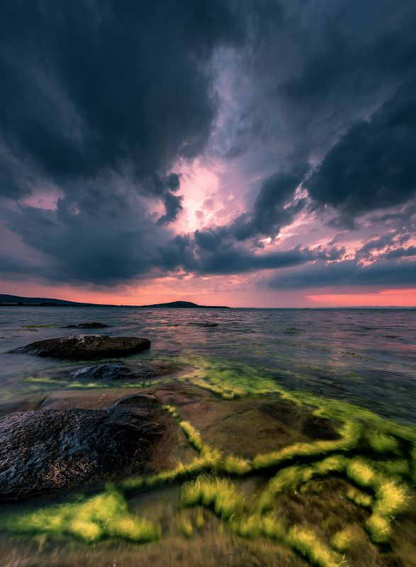 sea, seascape, sunset, green, sky, dark, rock, landscape Water gamesphoto preview