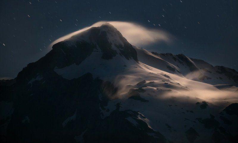 Лунный Фишт и звёздный дождьphoto preview