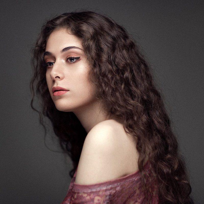 portrait, iranian, model, beauty, headshot, retouching, studio, canon, Mahtabphoto preview
