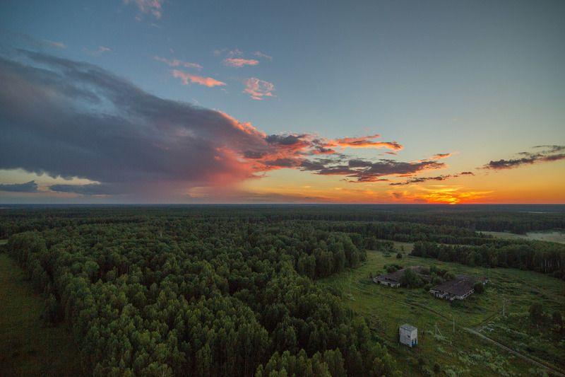 Высота, вышка, закат, деревня С высоты птичъего полетаphoto preview
