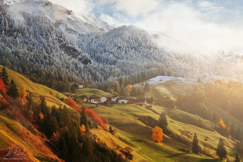 Alpen, Alps, Dolomiten, Dolomites, Dolomiti, Italia, Italien, Italy, Alta Badia, La Valle, Wengen,  South Tyrol, Tyrol, europe, villages, houses, meadow, alpine meadow, autumn, autumn colors, winter colors, autumn landscape, daniel rericha, fog, mist, mor Autumn or winter?photo preview