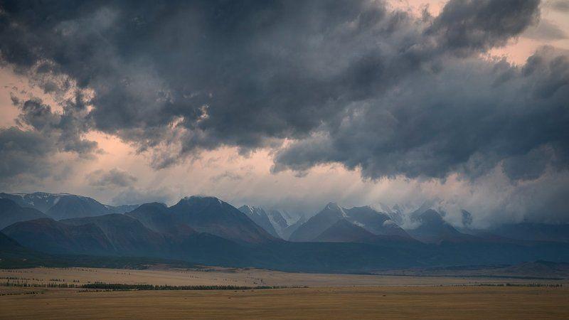 природа, пейзаж, горы, хребет, непогода, небо, облака, вечер, туман, дымка, степь, долина, алтай, сибирь, чуйский, панорама, вершины, хмурый, вид, высокий, большой Курайphoto preview