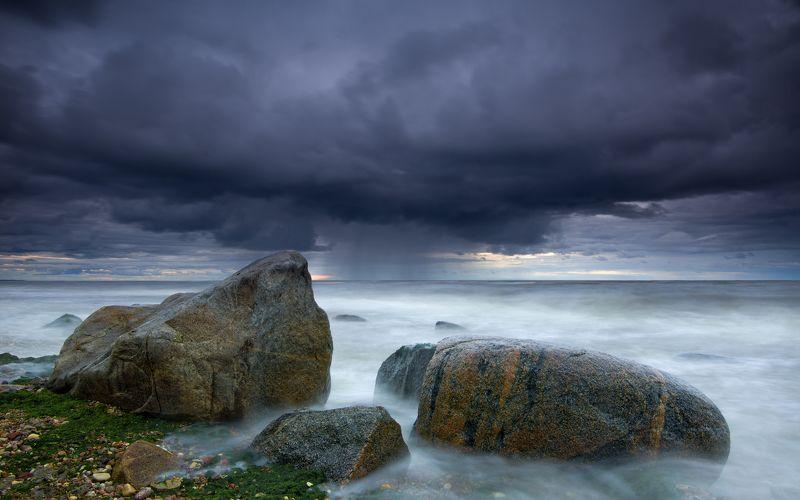 пейзаж море камни шторм вода закат ***photo preview