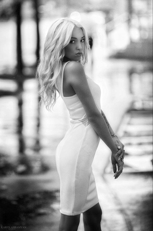 karen abramyan,fashion,portrait,girl,female,hair,eyes,black & white centre-villephoto preview