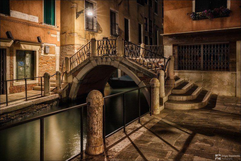 Venice Bridgephoto preview