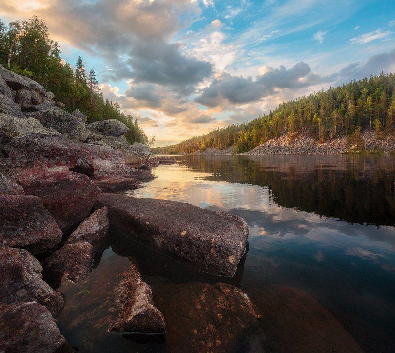вечер, небо, закат, облака, камни, скалы, озеро, карелия, вода, отражения Время движется к закатуphoto preview