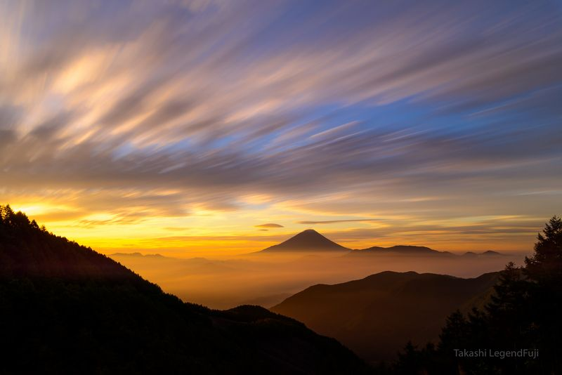 Fuji,Japan,mountain,cloud,morning,glow,red,orange,sky,beautiful,sunshine,sunrise, Emission of morning glowphoto preview