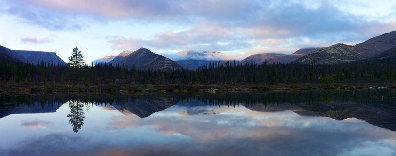 Хибины Полигональные озера отражение горы рассвет кольский полуостров Утро в горахphoto preview