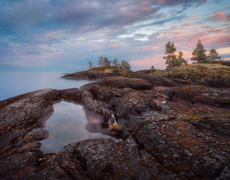 вечер, Ладога, шхеры, вода, камни, скалы, закат, небо, острова, сосны Там небо встречает землюphoto preview