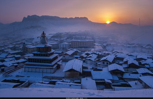 格尔底寺日出Nagel Temple sunrise