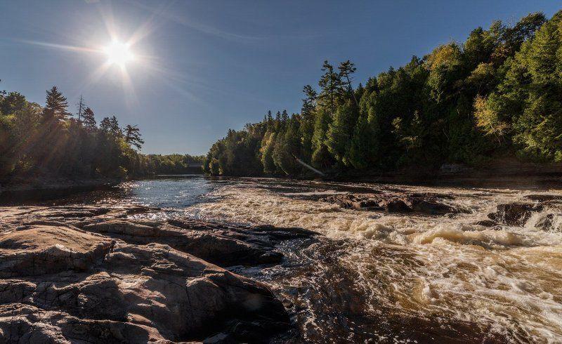 Канада Квебек Река Монтморэнсиphoto preview
