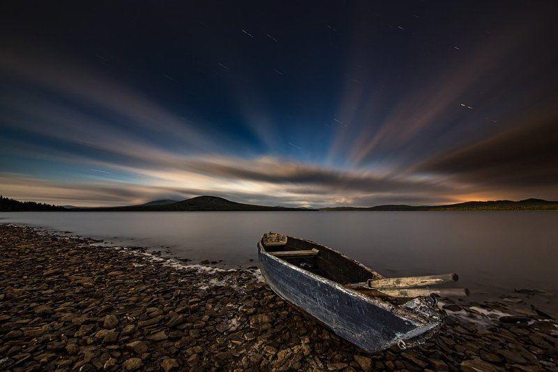 Лодка на Зюраткулеphoto preview