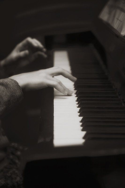 пианино, фортепиано, ребенок, музыка, ритм, children, child, music, rhythm, photo, photography, bnw, blackandwhite Клавишный ритмphoto preview