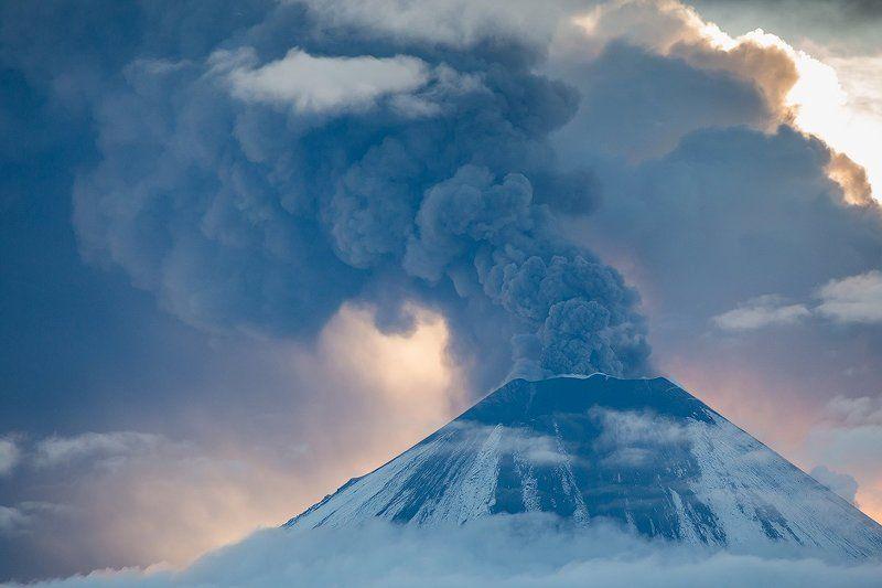 Вулкан, Извержение, Камчатка, Пепел, Рассвет, Снег Пепел и снегphoto preview