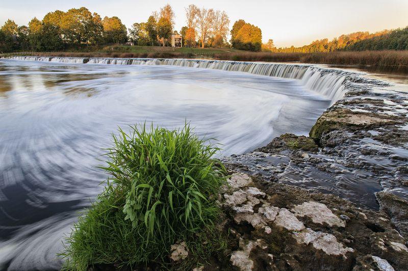 водопад Вентас румба photo preview