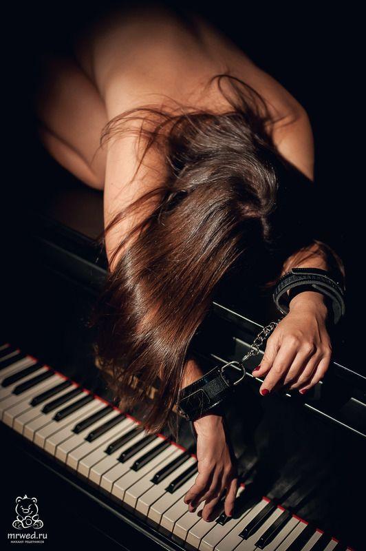рояль, ню, бдсм, Михаил Решетников воспоминания о музыкальной школеphoto preview