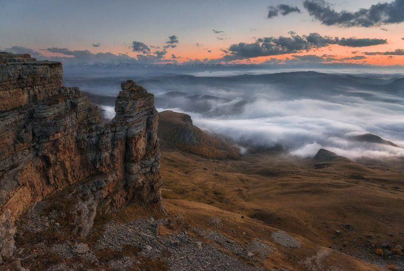 Кавказ, Приэльбрусье Вечер на плато Бермамыт.photo preview