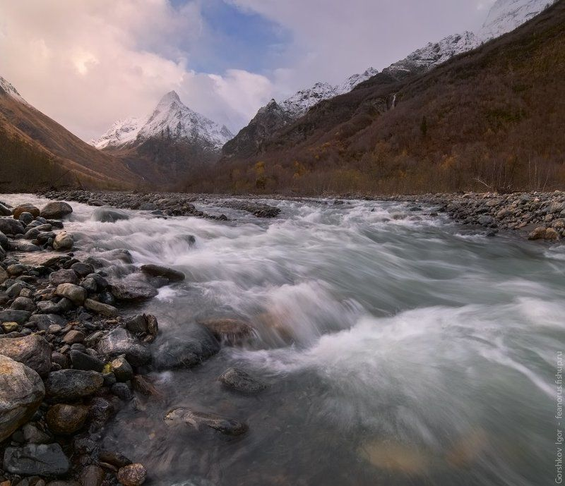 горы,кавказ,домбай,ульген,река,осень,пейзаж,тучи,непогода,панорама,россия Домбай-Ульгенphoto preview