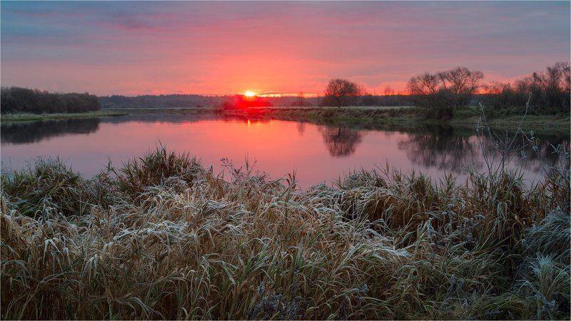 Теплый рассвет прохладного утраphoto preview