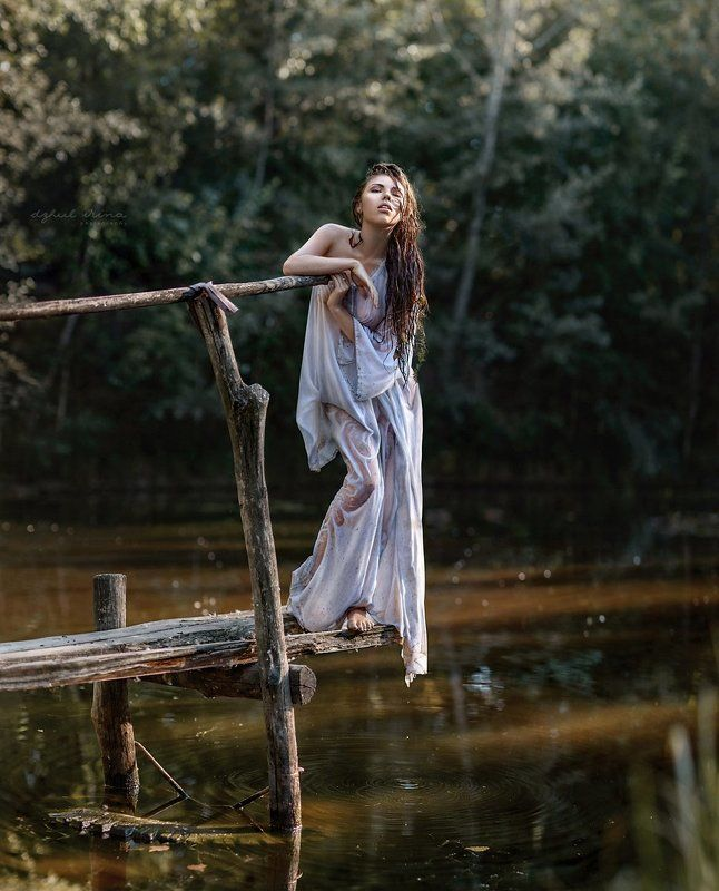 girl portreit people lake water dress white Лесавкаphoto preview