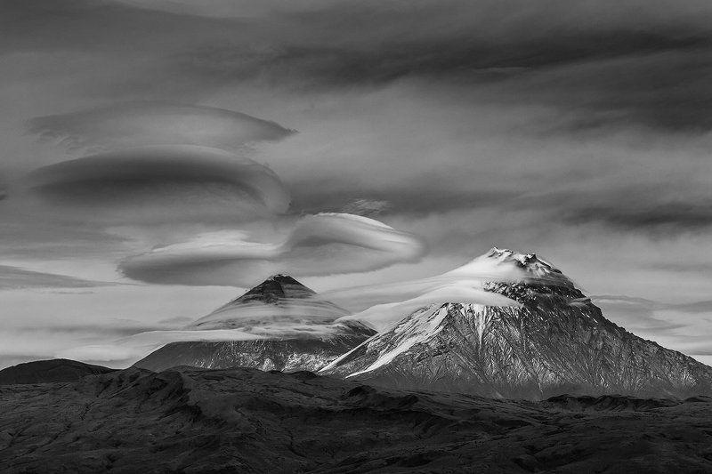 камчатка, фототур, путешествие, природа, облако, пейзаж, вулкан Лентикулярыphoto preview