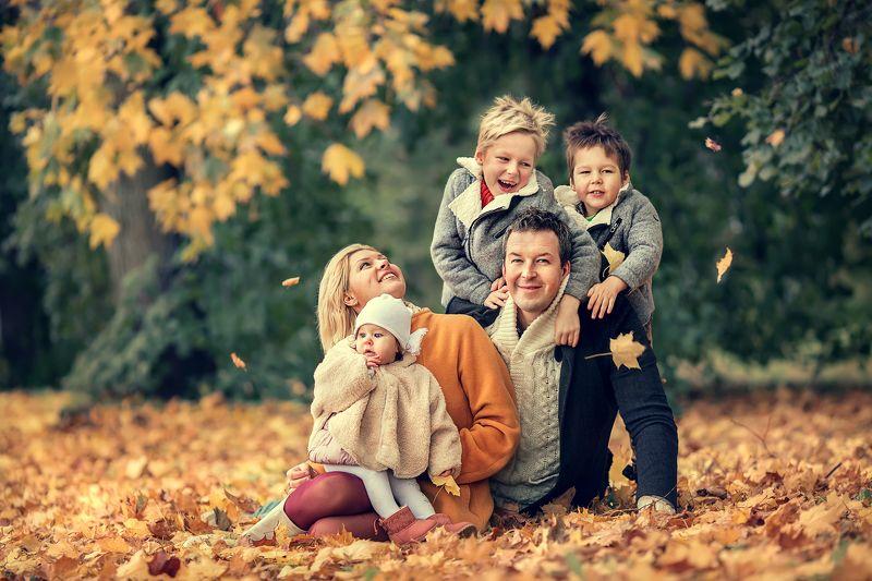 Семейный портретphoto preview
