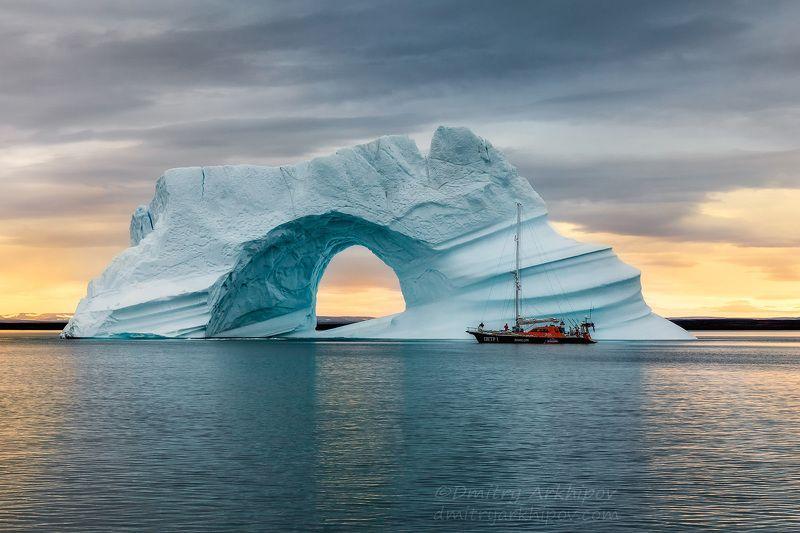 У ледяной аркиphoto preview