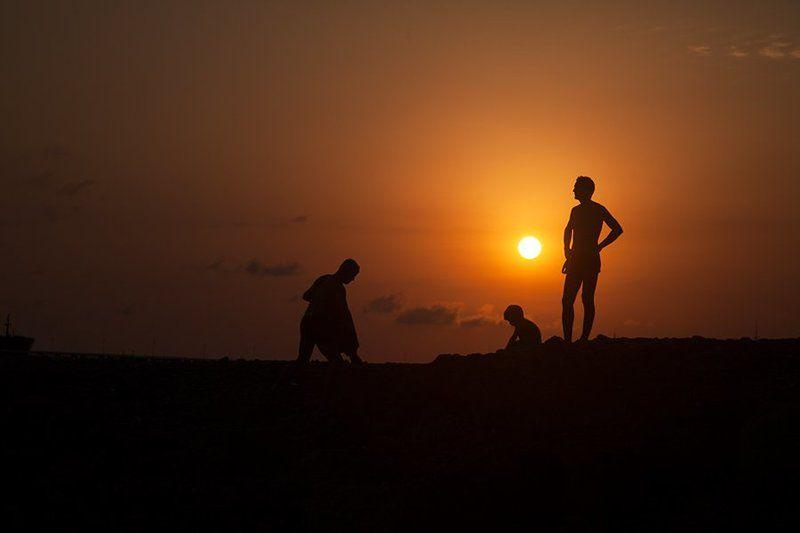 sun, sunlight, son, light, lighting, portrait, people, sunset, photography, photo Отец и сынphoto preview