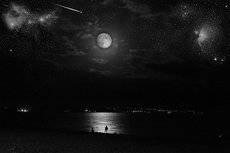 Ночь спустилась над морем.