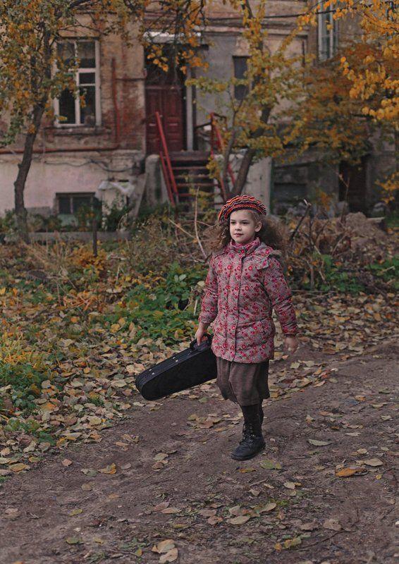 Девочка и скрипка.photo preview