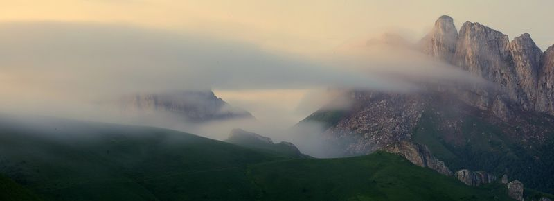 природный парк большой тхач рассвет горы кавказ утренний туман ачешбоки Сказочное утроphoto preview